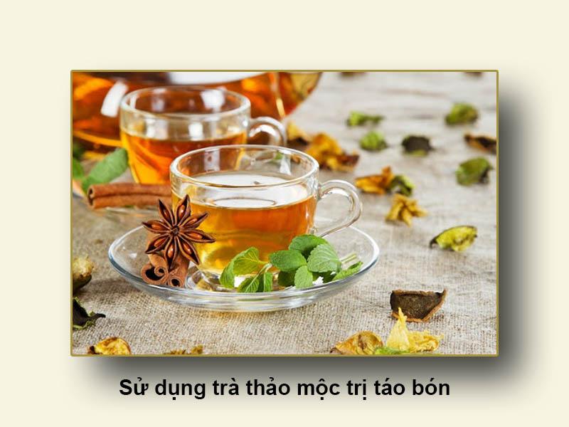 Sử dụng trà thảo mộc trị táo bón